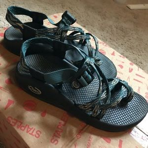 CHACOS! Barely worn!